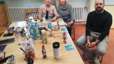 ver.di Ortsverein verteilt Schoko-Nikoläuse in der OGS Rhede
